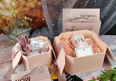 Folding Gift Paper Box for Clothing Packaging